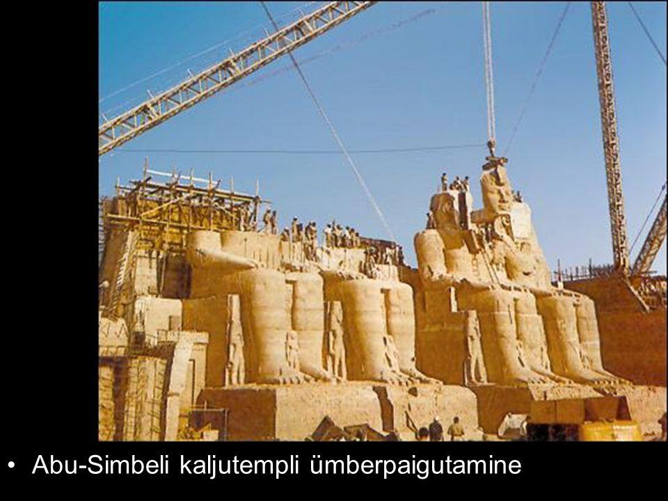 Abu-Simbeli kaljutempli ümberpaigutamine