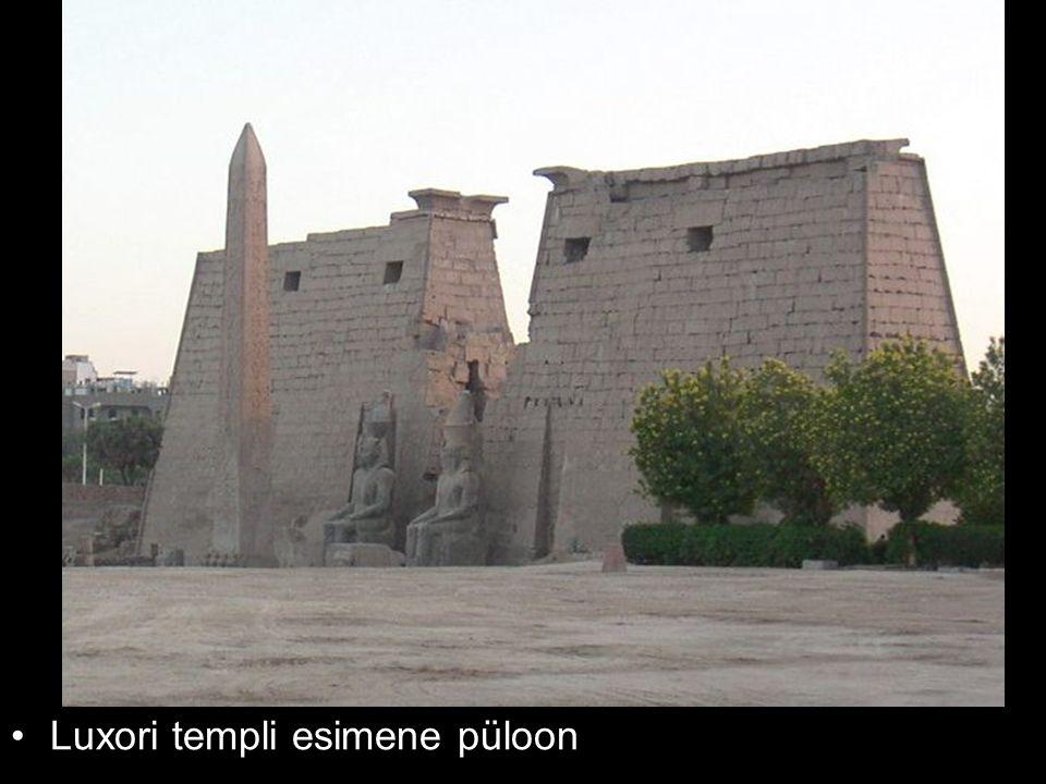 Luxori templi esimene püloon
