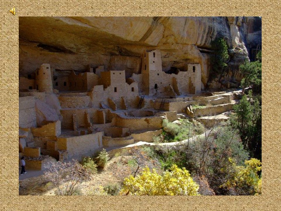 """Switched from Kivas between 1200-1300 AD to the """"Cliff-Dwelling"""" style of architecture Large storerooms became prominent features in Anasazi villages"""
