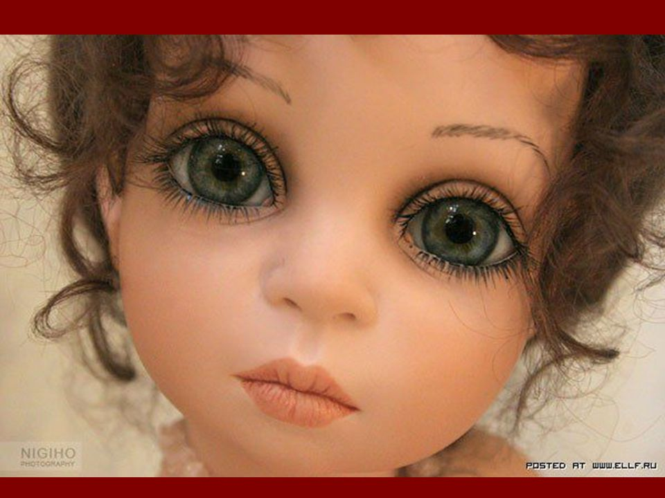 These dolls are beautiful creations by Siu Ling Wang. Partially (hands, feet, head) Are made of porcelain. The astonishingly large eyes, Are blown gla