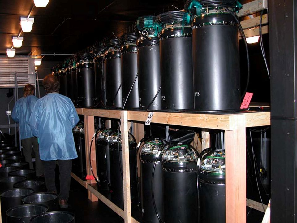 10 PMT Hamatsu- 70 280 Fully assembled & tested DOMs are already in their way to South Pole for deployment in January 2005