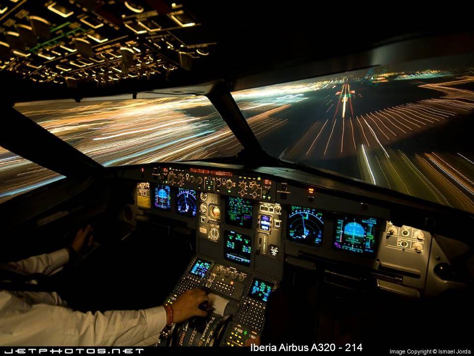 Iberia Airbus A320 - 214