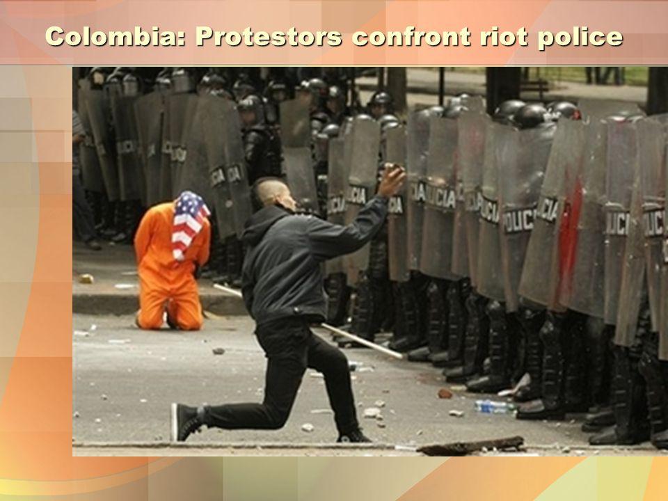 Colombia: Protestors confront riot police