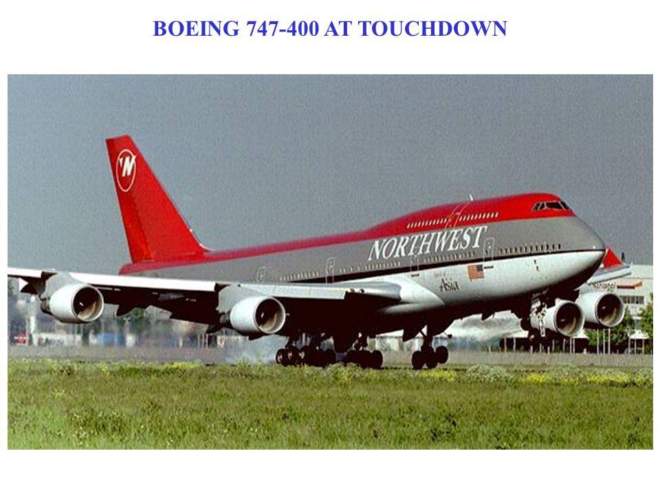 BOEING 747-400 AT TOUCHDOWN