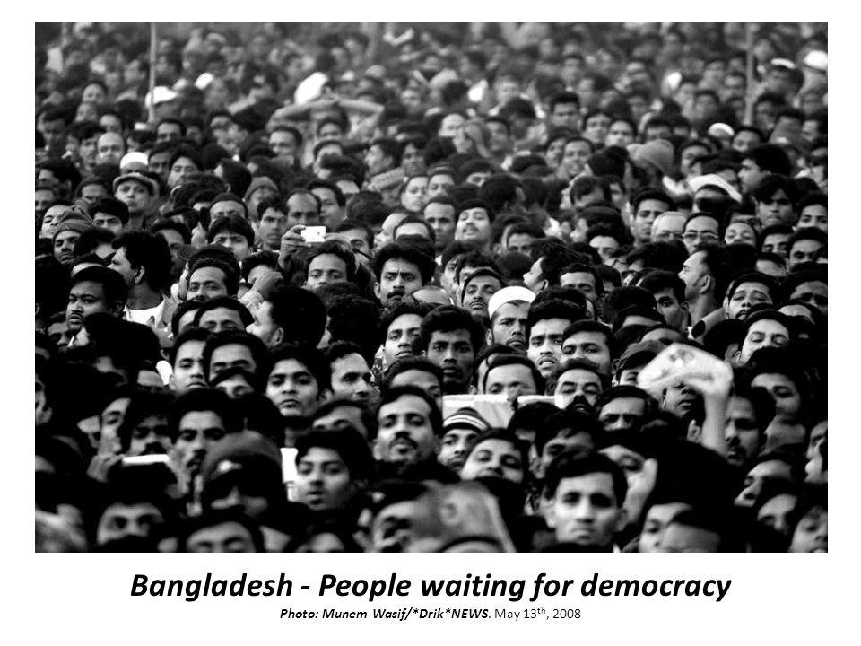 Bangladesh - People waiting for democracy Photo: Munem Wasif/*Drik*NEWS. May 13 th, 2008