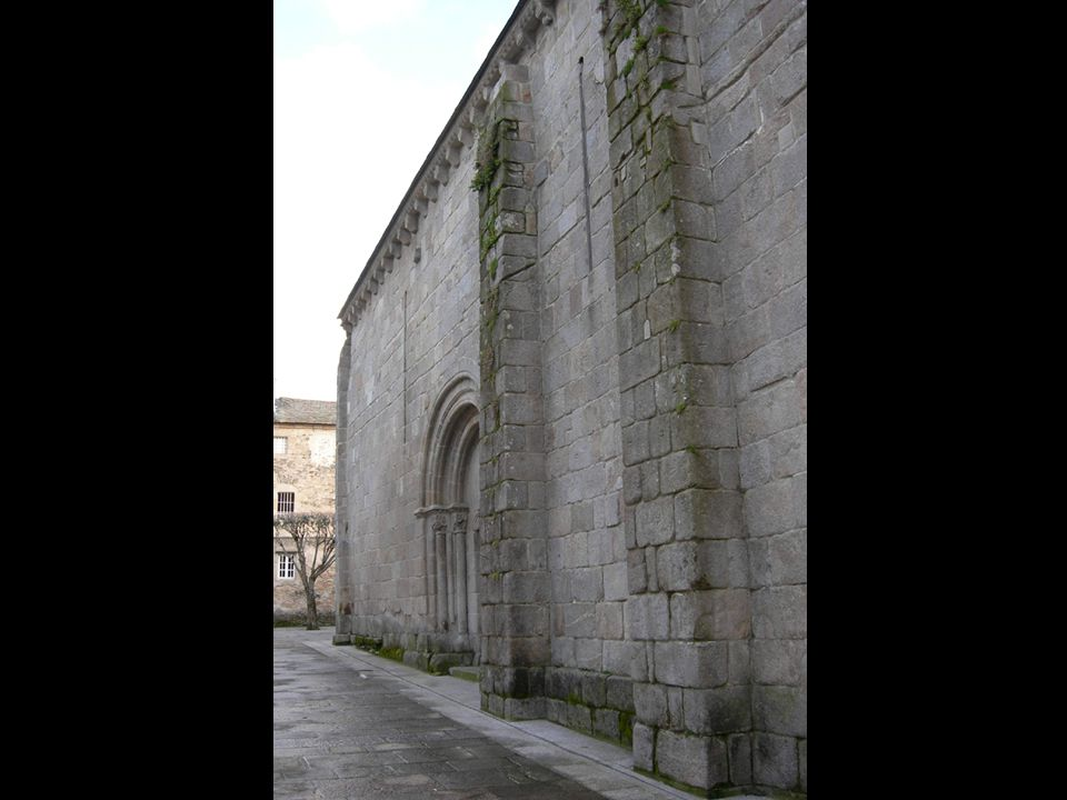One of the main characteristics of the Romanesque churches is the thickness of its walls that s why the windows can be neither very big nor broad.