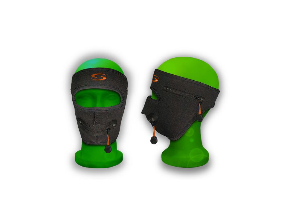 Double Face Pro The Double Face Pro mask combines an ear- warmer and face mask.