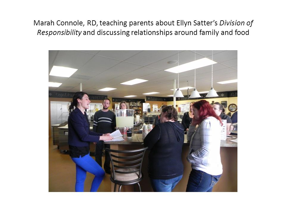 Marah Connole, RD, teaching parents about Ellyn Satter's Division of Responsibility and discussing relationships around family and food