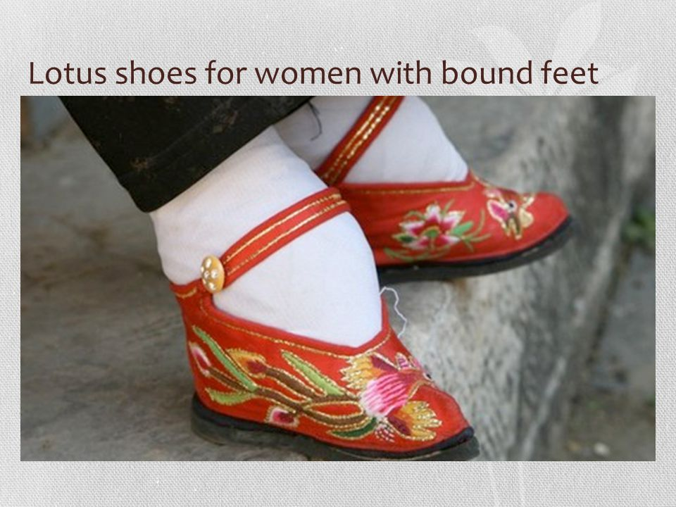 Lotus shoes for women with bound feet