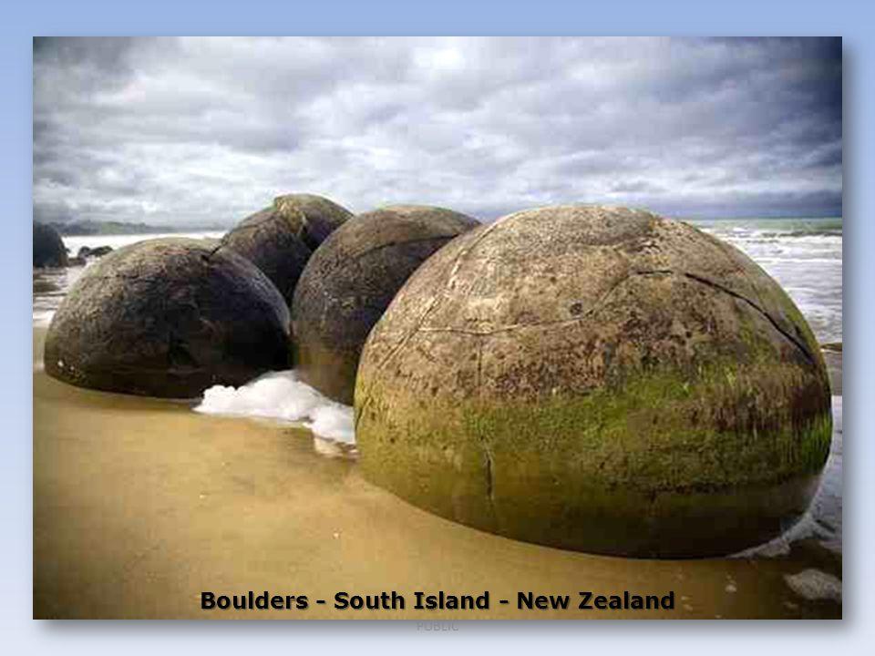 Boulders - South Island - New Zealand PUBLIC