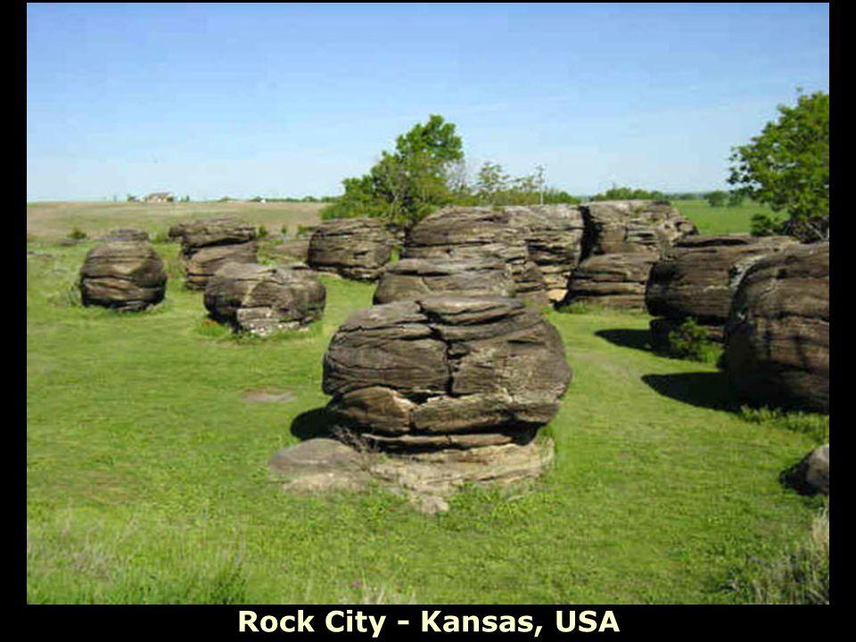 Rock City - Kansas, USA