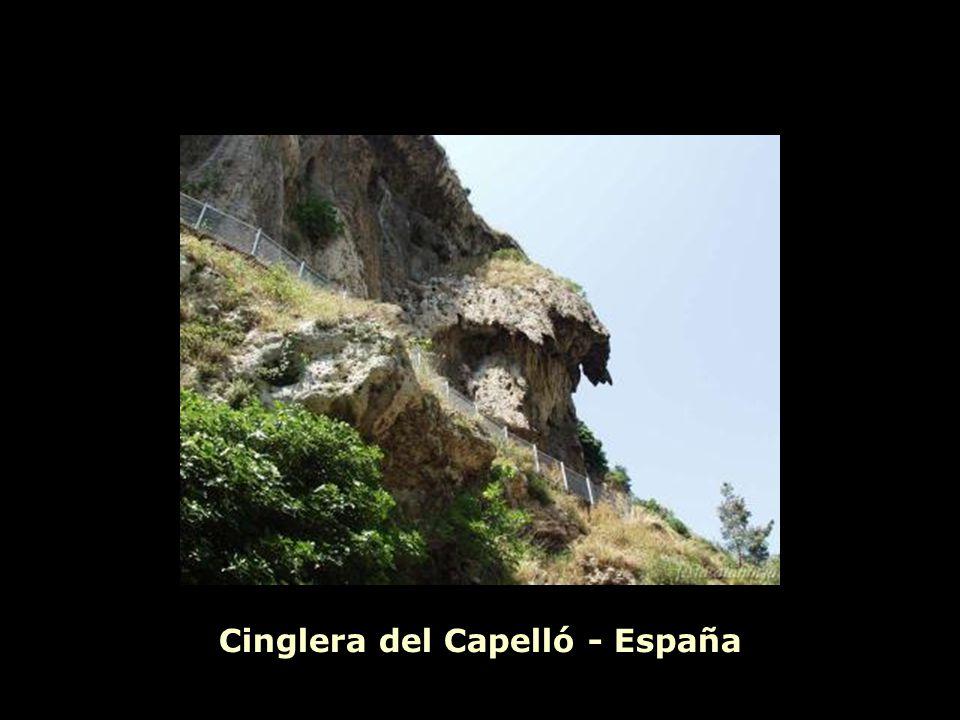 Cinglera del Capelló - España