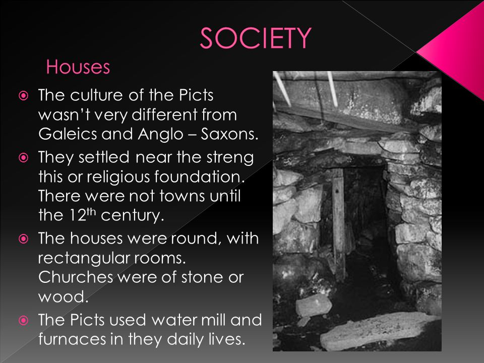  The Picts were a confederation of tribes who lived in Pictland before the Roman conquest of Britain.