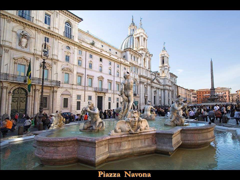 Vita Noble Powerpoints Fontana di Trevi de noche
