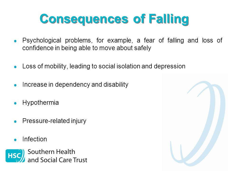 Falls and Osteoporosis Osteoporosis, a condition characterised by a reduction in bone mass and density increases the risk of fracture when an older person falls Hip fracture is the most common serious injury related to falls in older people Poor posture or a dowager's hump from osteoporosis can place a person at higher risk to fall, as the person's centre of gravity has been altered Reducing a person's risk of falling and preventing or treating osteoporosis will help to maintain their independence