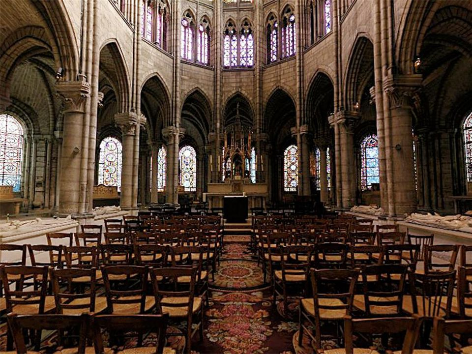 Chartres Cathedral, France, 13 th century Compound piers (engaged cluster colonnettes and pilasters)