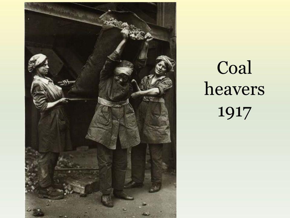 Coal heavers 1917