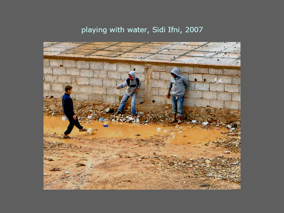 playing with water, Sidi Ifni, 2007