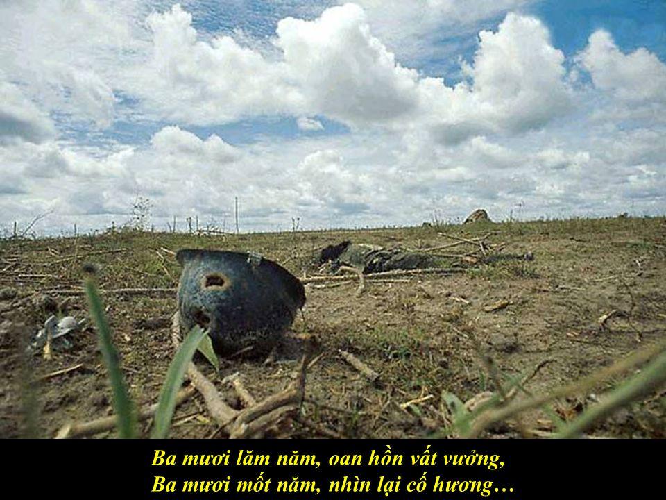 Ba mươi lăm năm, quê hương trăn trở, Ba mươi lăm năm, người Việt tha phương,