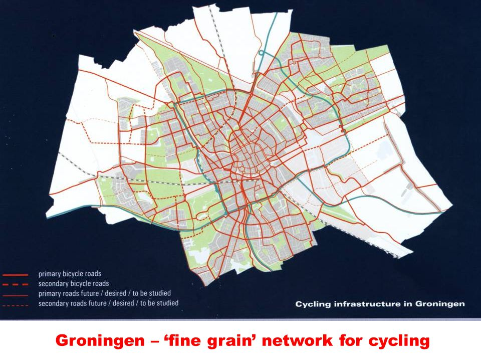 Groningen – 'coarse grain' network of roads for cars Groningen – 'fine grain' network for cycling