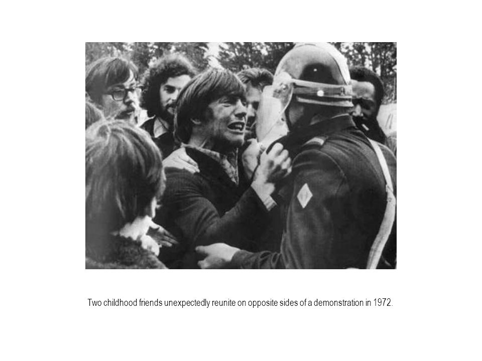 Two childhood friends unexpectedly reunite on opposite sides of a demonstration in 1972.