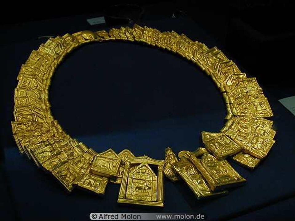 Gold sheet collar