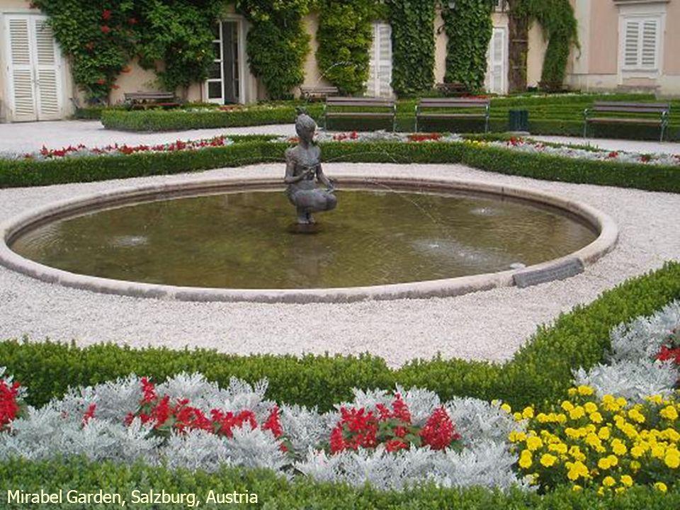 Mirabel Garden hidden theatre