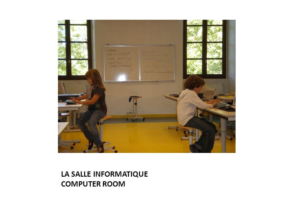 LA SALLE INFORMATIQUE COMPUTER ROOM