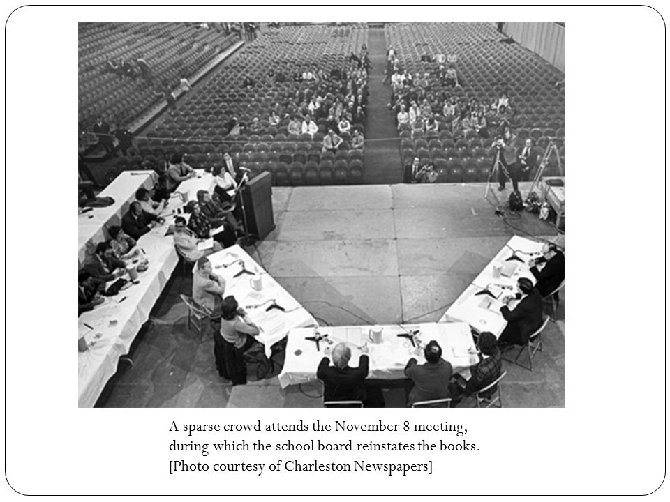 A sparse crowd attends the November 8 meeting, during which the school board reinstates the books. [Photo courtesy of Charleston Newspapers]