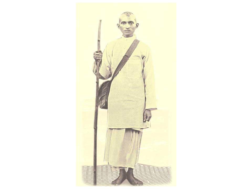 Gandhi returns to India