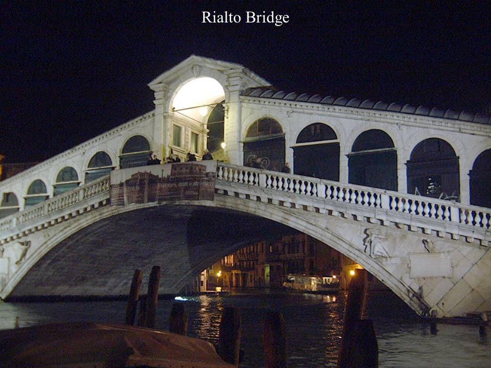 Rialto Bridge (ponte Rialto), Venice, Italy