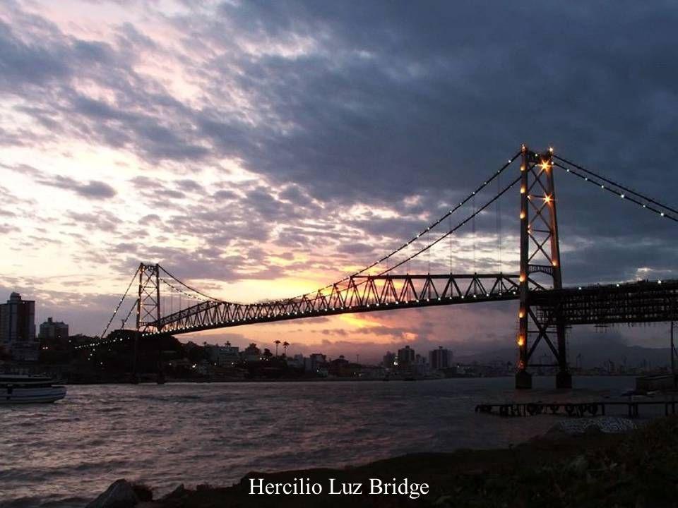 Hercilio Luz Bridge, Florianópolis, Brasil