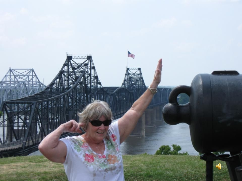 Old and new bridges at Vicksburg.