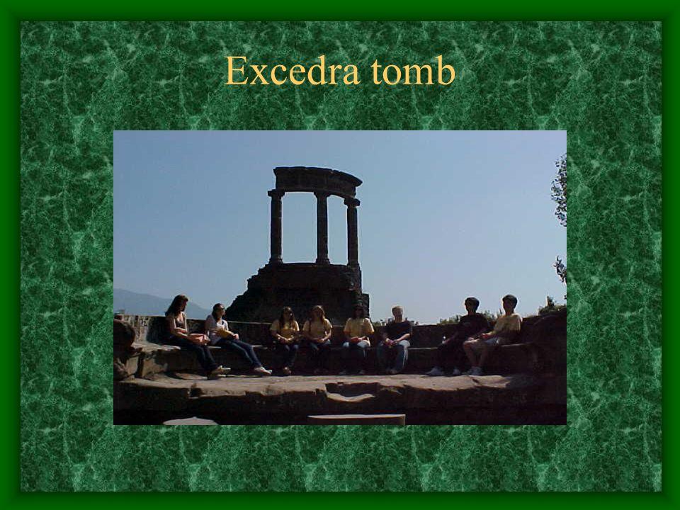 Excedra tomb