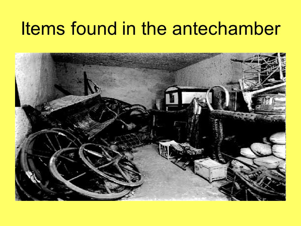 Items found in the antechamber