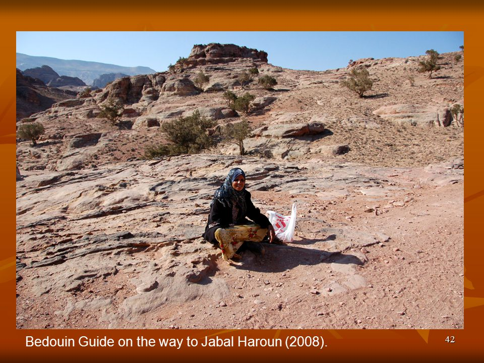 42 Bedouin Guide on the way to Jabal Haroun (2008).