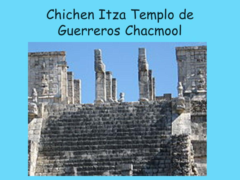 Chichen Itza Templo de Guerreros Chacmool