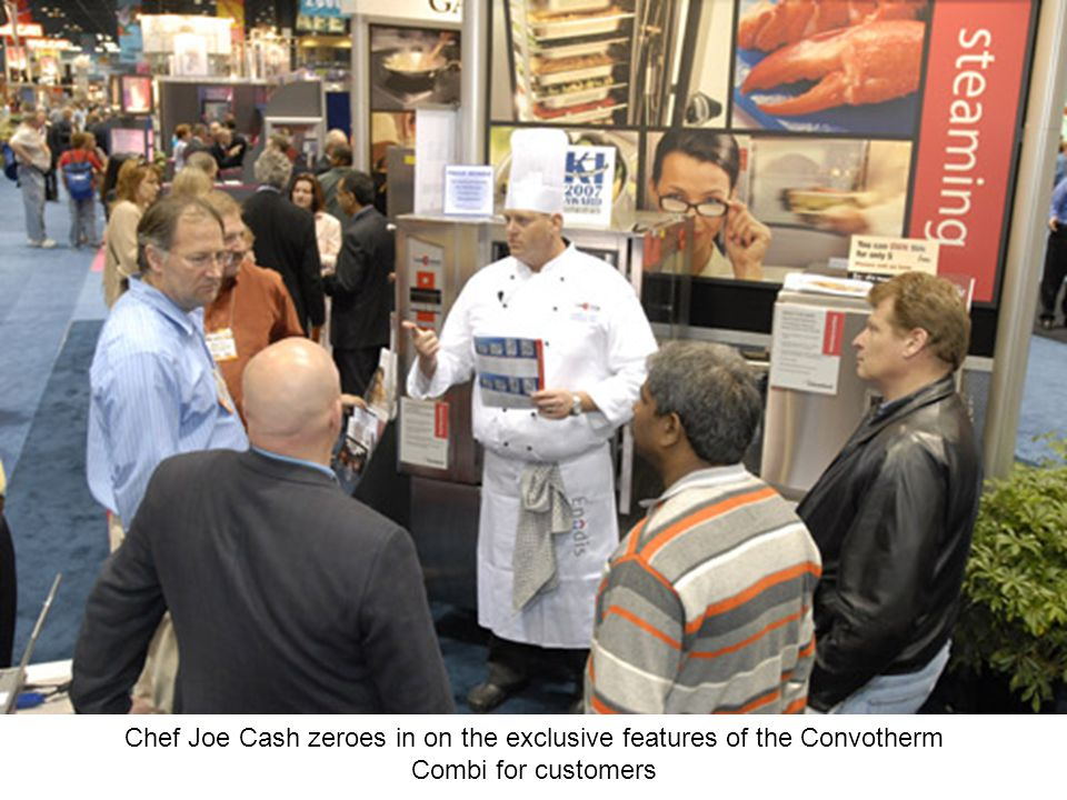 Chef Joe Cash zeroes in on the exclusive features of the Convotherm Combi for customers
