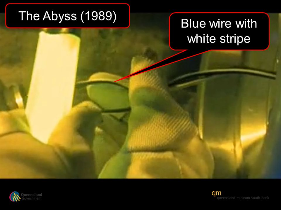 Blue wire with white stripe The Abyss (1989)