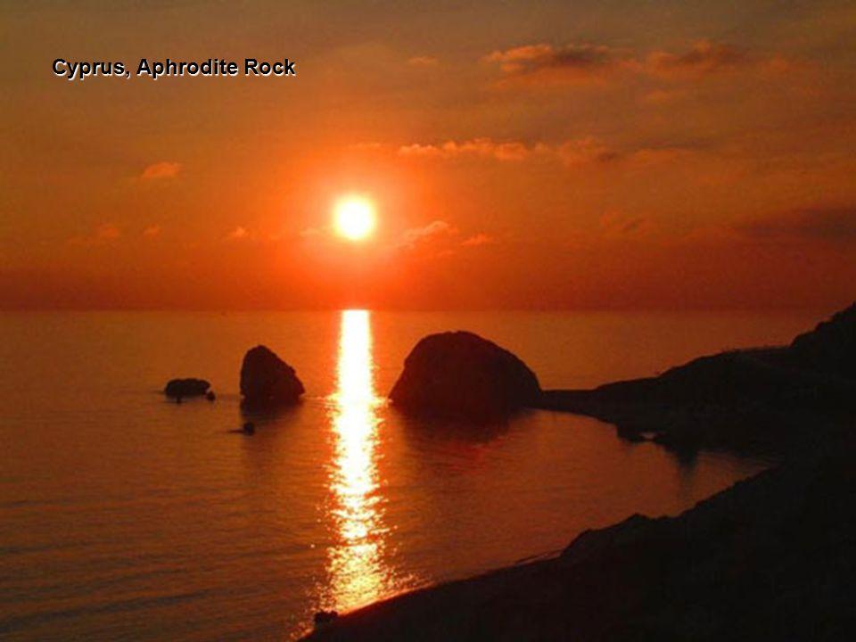 CYPRUS, Kyrenia Harbour