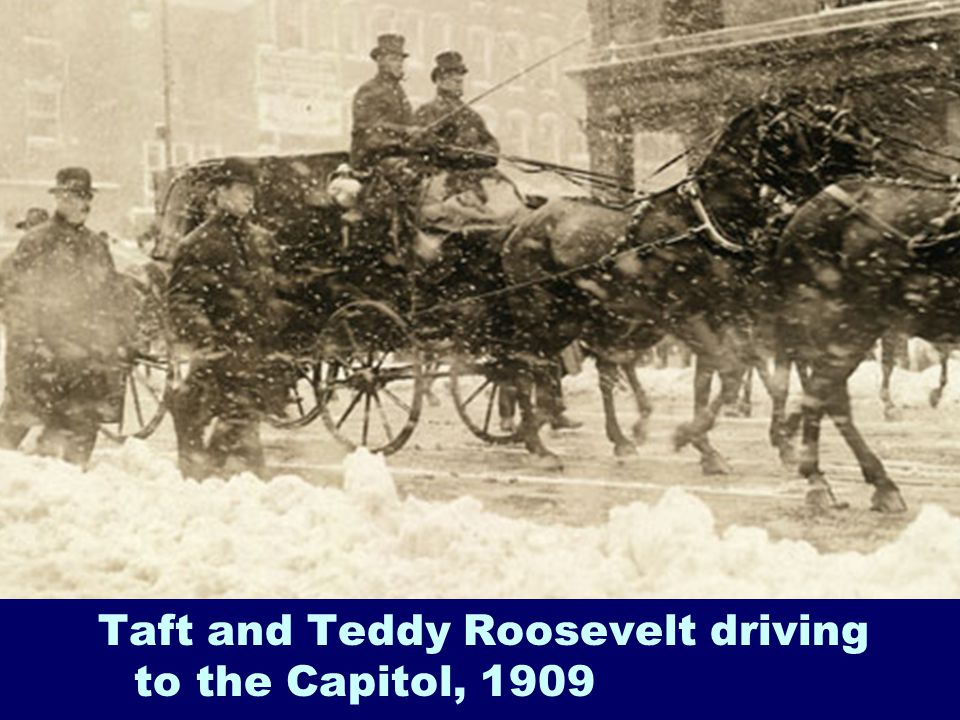 Taft and Teddy Roosevelt driving to the Capitol, 1909