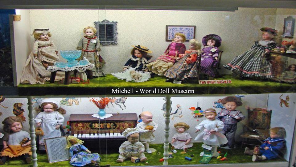 Mitchell - World Doll Museum