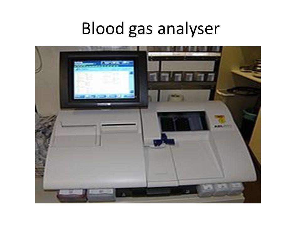 Blood gas analyser