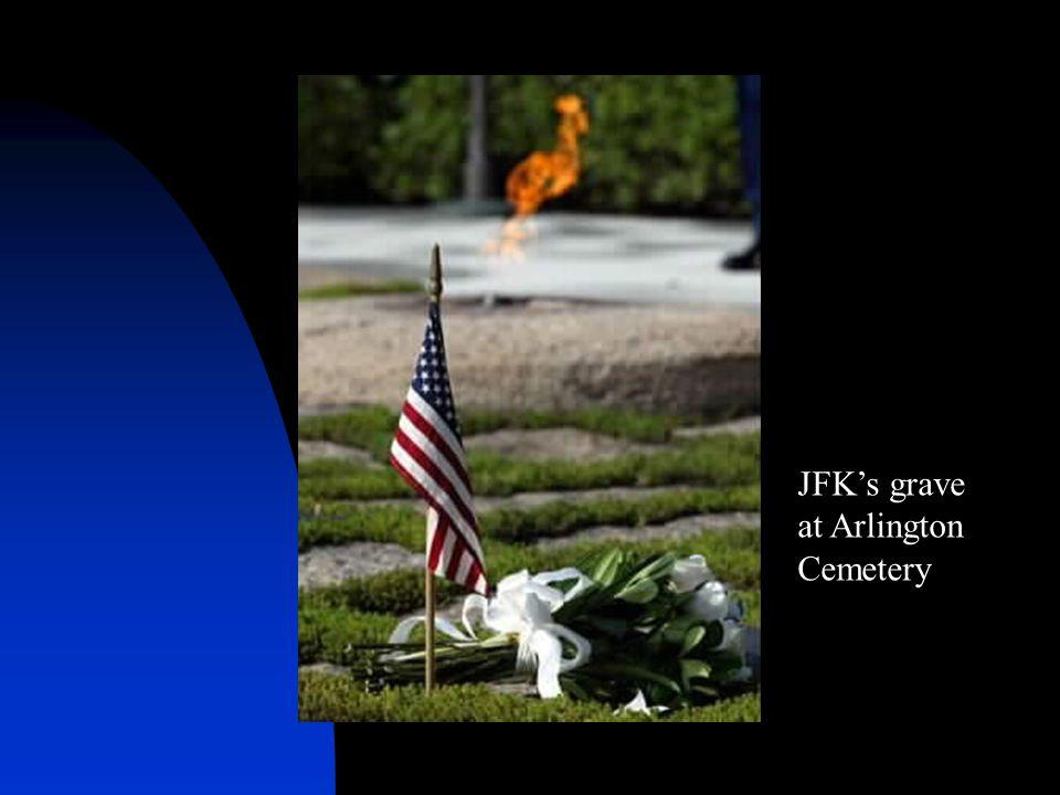 JFK's grave at Arlington Cemetery