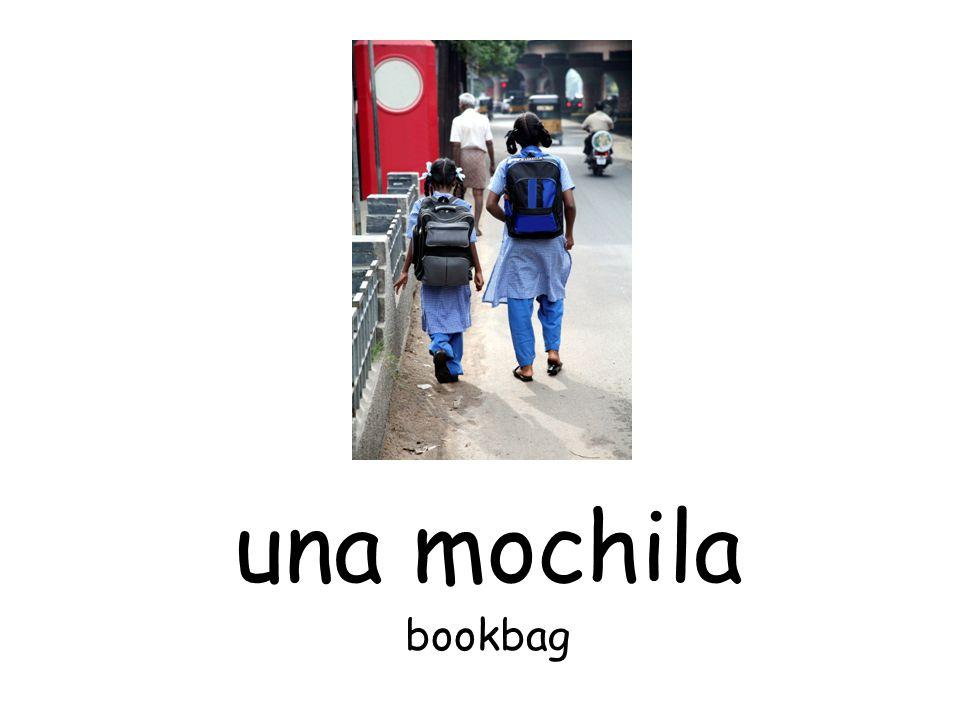 una mochila bookbag