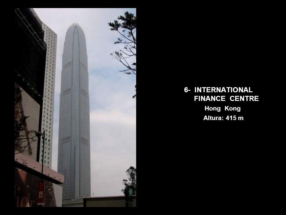 7- CITIC PLAZA Guangzhou Altura: 391 m
