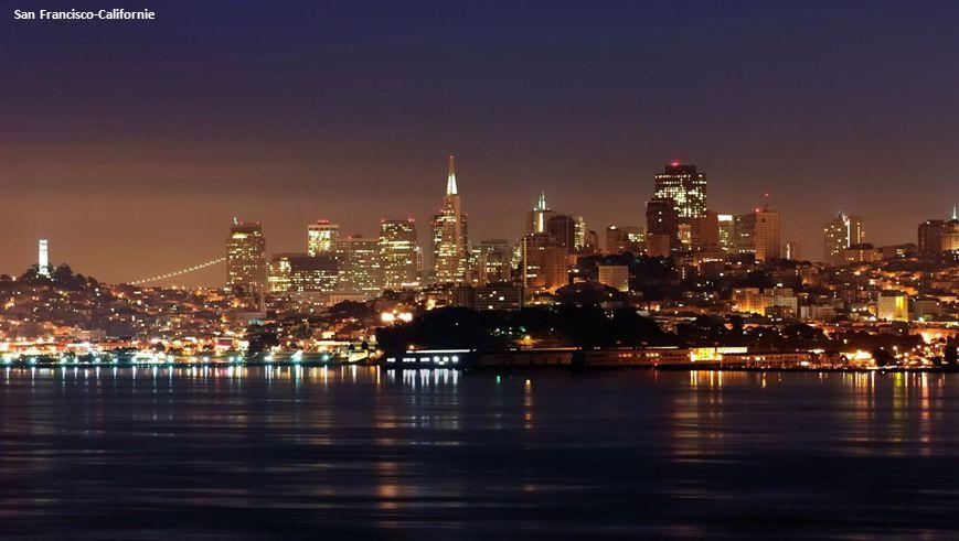 San Francisco: Ferry Building at Night et le Golden Bridge.