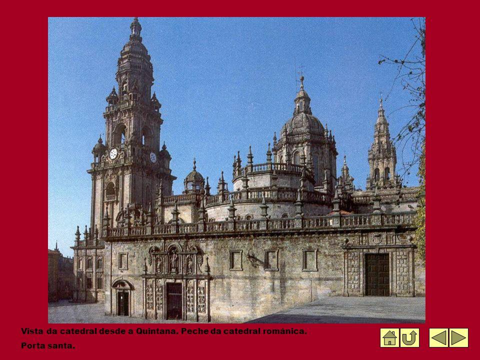 Vista da catedral desde a Quintana. Peche da catedral románica. Porta santa.