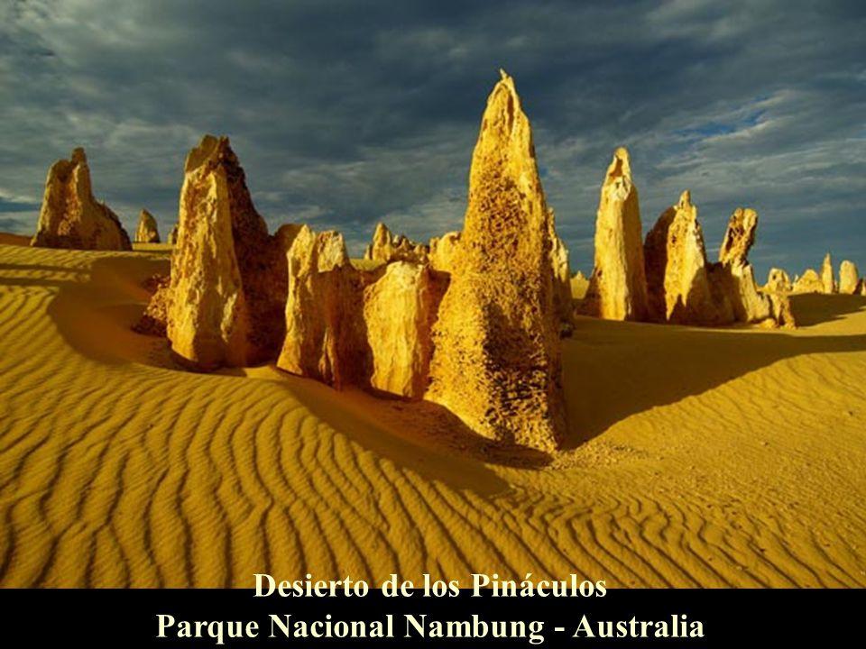 Karlu Karlu or Devil's Marbles - Australia