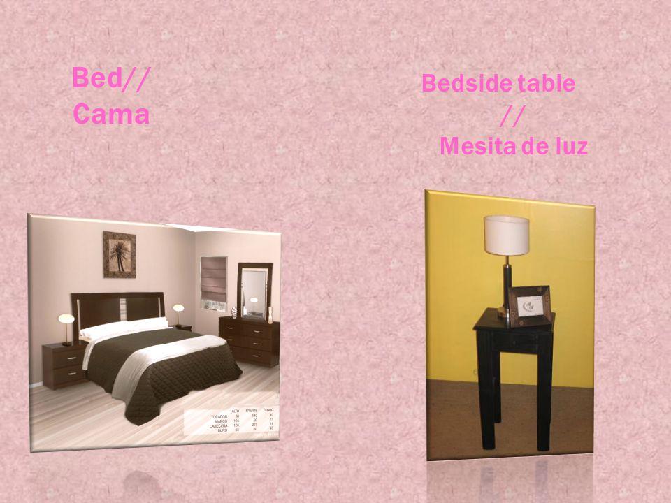 Bed// Cama Bedside table // Mesita de luz